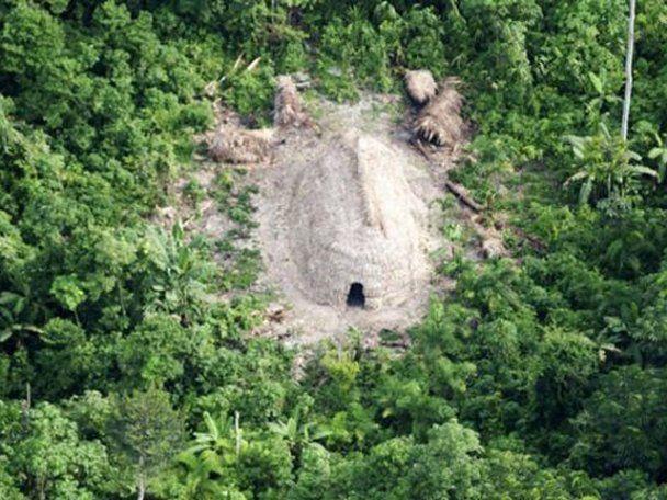 У джунглях Амазонки за допомогою супутника знайшли невідоме плем'я індіанців