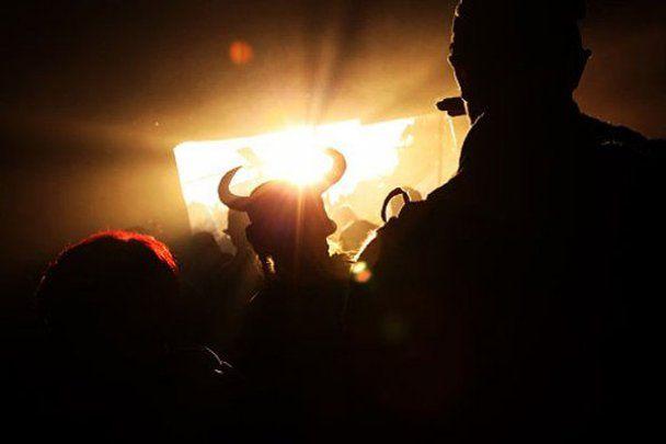 """Фестиваль музыки и грязи """"Гластонбери 2011"""""""