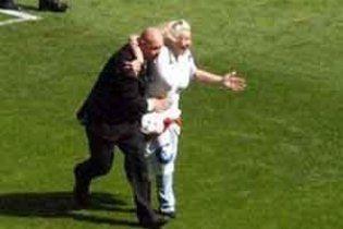 Бабушке-фанатке из Англии запрещено посещать футбольные матчи