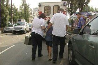 В Киеве девушка на автомобиле Nissan сбила ребенка