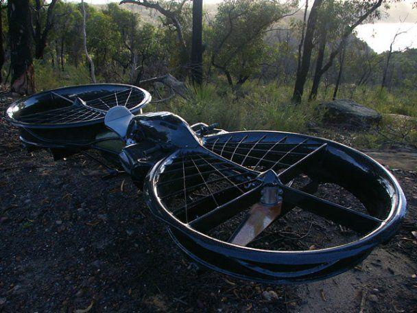 Австралієць створив перший в світі літаючий мотоцикл