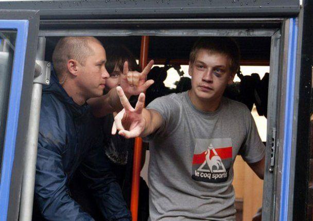 """Учасників """"мовчазних акцій"""" в Білорусі почали саджати на 15 діб"""