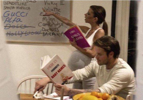 Бекхэмы показали новорожденную дочку