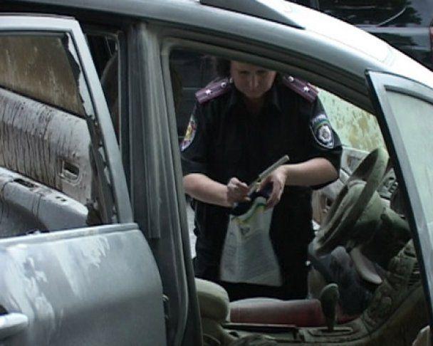 У центрі Харкова в джип з депутатом кинули коктейль Молотова