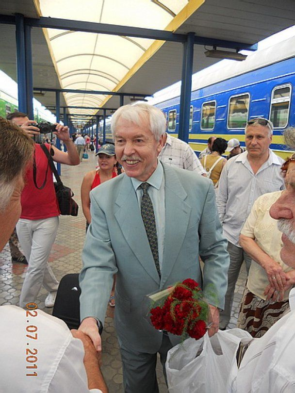 После 16 лет изгнания в Крым вернулся экс-президент Юрий Мешков