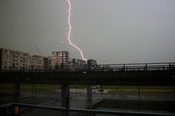 У Копенгагені сильні зливи затопили сотні будинків