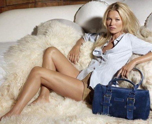 Замужняя Кейт Мосс соблазняет длинными ногами в новой рекламе