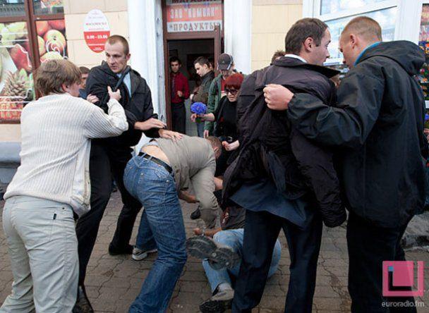 """Спецназівець, який з матюками розганяв мітинг у Мінську: ненавиджу """"аппазицию"""""""