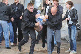Однорукого оппозиционера в Беларуси оштрафовали за аплодисменты