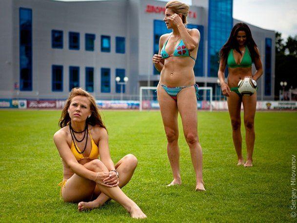 Найкращі російські футболістки знялися у еротичній фотосесії
