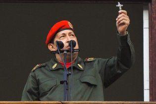 Уго Чавес предложил сбивать самолеты наркоторговцев