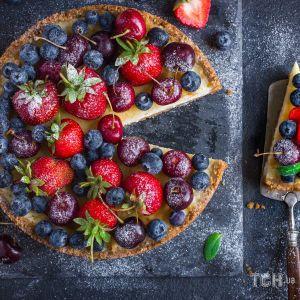Рецепт чизкейка со свежими ягодами на основе из печенья