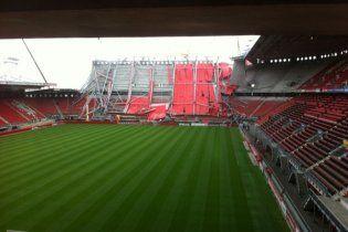 Обвалився дах на стадіоні віце-чемпіона Нідерландів: є загиблі