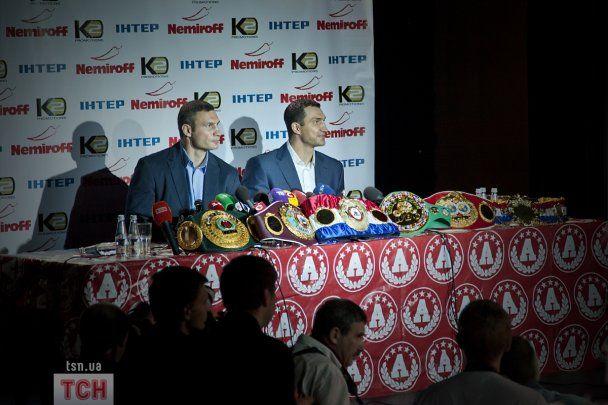 Брати Клички привезли до Києва всі пояси чемпіонів