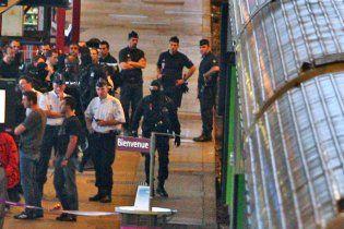 У Франції банда напала на потяг в стилі Дикого Заходу