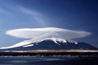 На Камчатці триває виверження двох вулканів, існує небезпека для авіасполучення