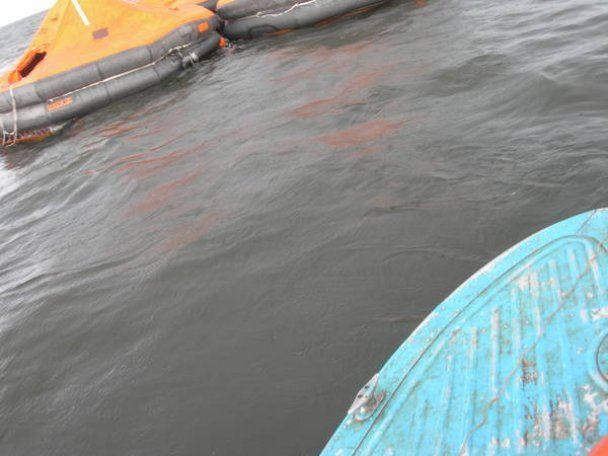 Усередині затонулого на Волзі теплохода знайшли безліч тіл: невідома доля ста людей
