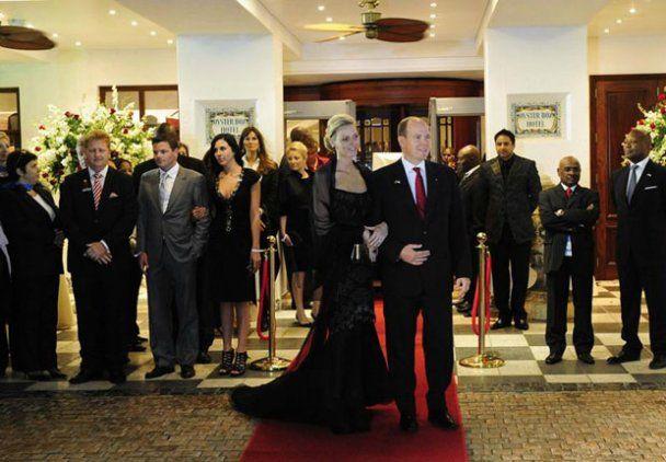 Князь Монако і його молода дружина провели медовий місяць у різних готелях