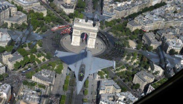 День взяття Бастилії в Парижі відзначили грандіозним парадом