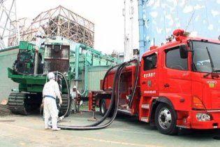 """Японцам удалось охладить реактор АЭС """"Фукусима-1"""""""