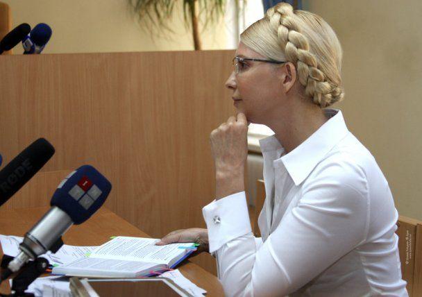 Суд запретил Тимошенко задавать вопросы министру МИД Грищенко
