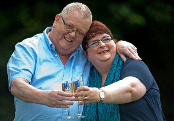 Британська пара, яка зірвала джекпот у 185 млн євро, була змушена втекти