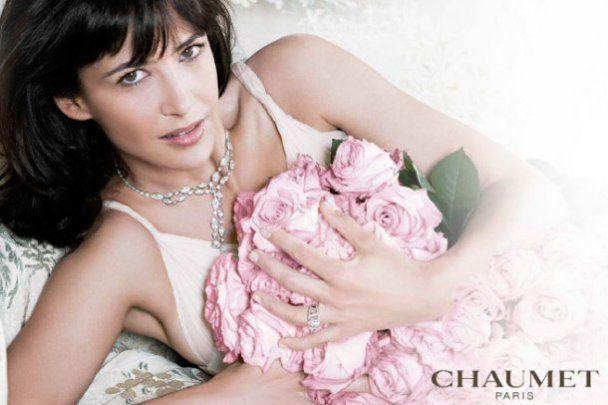 Обнаженная Софи Марсо рекламирует ювелирные изделия