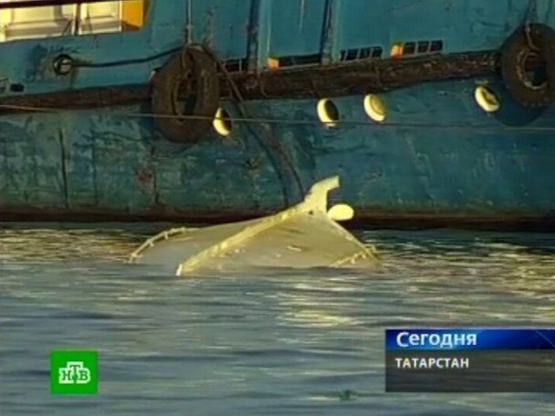 """Пасажири """"Булгарії"""" намагалися врятувати дітей і потонули разом з ними"""