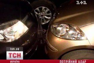 У Києві жінка на Mitsubishi розбила три машини і влаштувала скандал