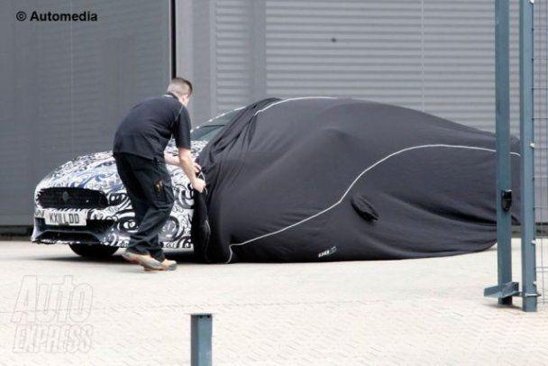 Засекречений суперкар від Aston Martin засвітився в Інтернеті