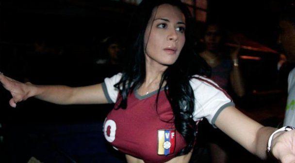 Венесуельська співачка віддячила своїй збірній стриптизом