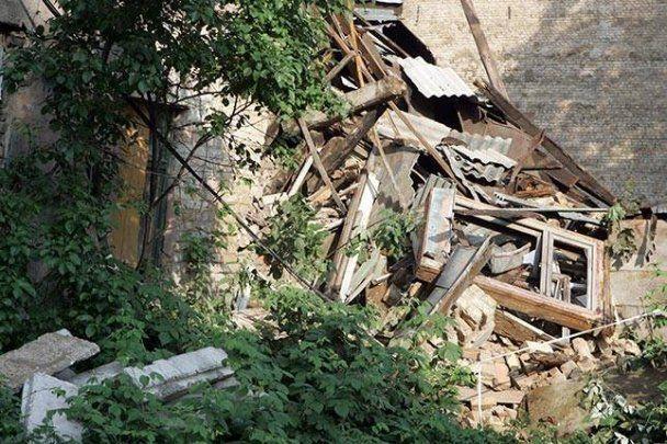 Молния разрушила 5-этажный дом в Риге