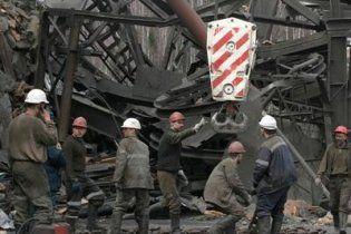 На Донеччині спалахнула шахта, в якій знаходилось 155 гірників