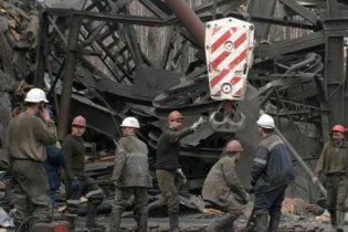 В Днепропетровской области загорелась шахта, в которой находилось 155 горняков