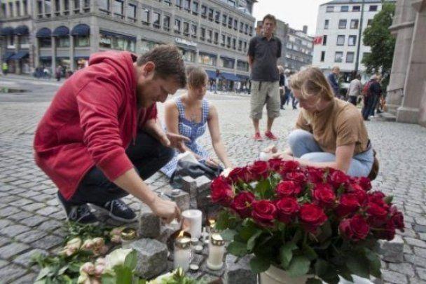 """Террорист Брейвик заявил, что в Европе насчитывается 80 ячеек его единомышленников - """"мучеников"""""""
