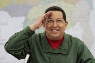 Фідель Кастро подарував Чавесу військовий джип