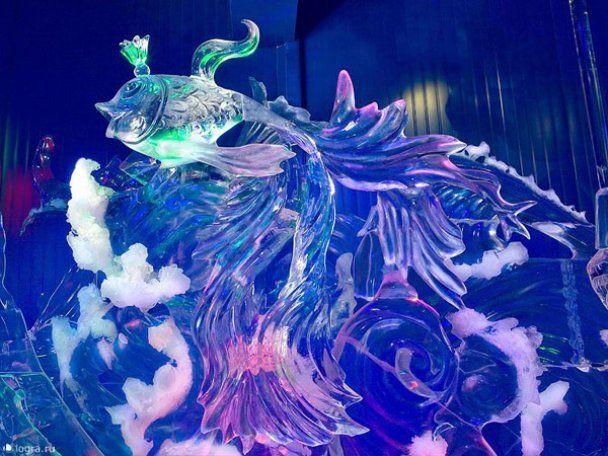 У спекотній Москві відкрили крижану виставку