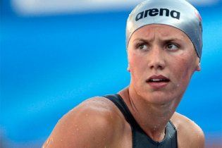 """Російську плавчиню за тріумф на чемпіонаті світу нагодують у """"МакДональдс"""""""