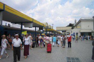 Курортники в Крыму штурмуют вокзалы из-за спекулянтов