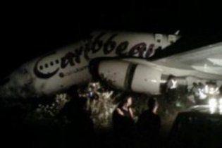 Boeing развалился на части при посадке в аэропорту Гайаны