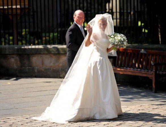 весілля одруження старшої внучки королеви Великобританії Зари Філліпс_5