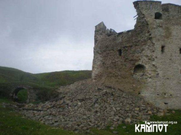 """Башня """"Старой Крепости"""" в Каменец-Подольском обвалилась"""