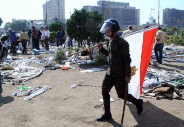 У Каїрі прихильники і противники Мубарака закидали одне одного камінням, є жертви
