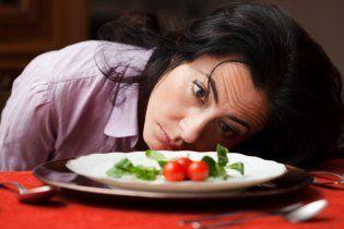 У людей, які сидять на дієті, мозок починає пожирати сам себе