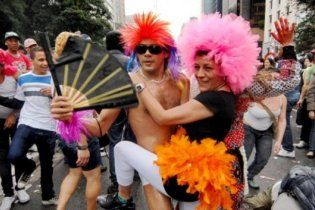 В Бразилии вводят День гетеросексуалов в противовес гей-парадам