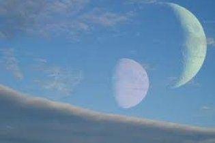 У молодой Земли могло быть два спутника