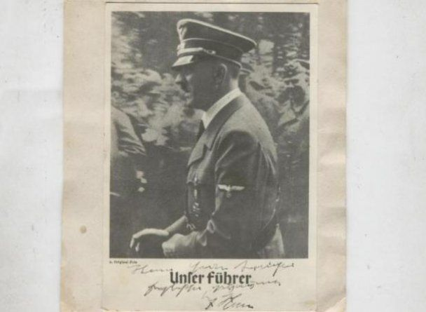 Во время войны Гитлер рисовал трогательные картинки с сердечками и херувимами