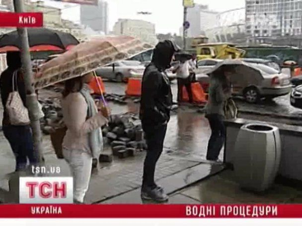 "Переход возле метро ""Олимпийская"" превратился в озеро"