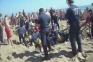17-летний американец случайно заживо похоронил себя на пляже
