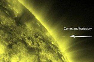 Астрономы засняли на видео смерть кометы, которая врезалась в Солнце